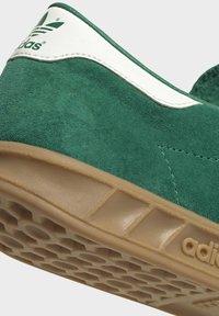adidas Originals - HAMBURG TERRACE - Sneakers basse - green off white gum - 11