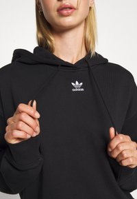 adidas Originals - TREFOIL ESSENTIALS HOODED - Hoodie - black - 5