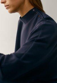 Massimo Dutti - MIT STEHKRAGEN - Long sleeved top - dark blue - 5