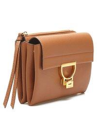 Coccinelle - Handbag - braun - 2