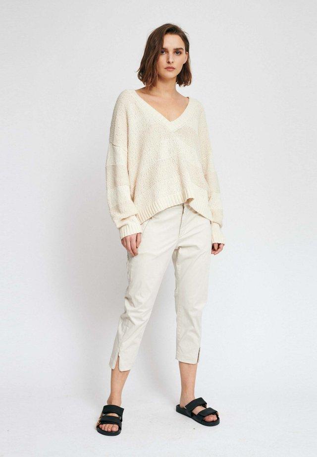 ZELLA CAPRI PANT - Pantalon classique - white smoke