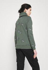 ONLY - ONLPIP NADINE HIGHNECK - Sweatshirt - balsam green - 2