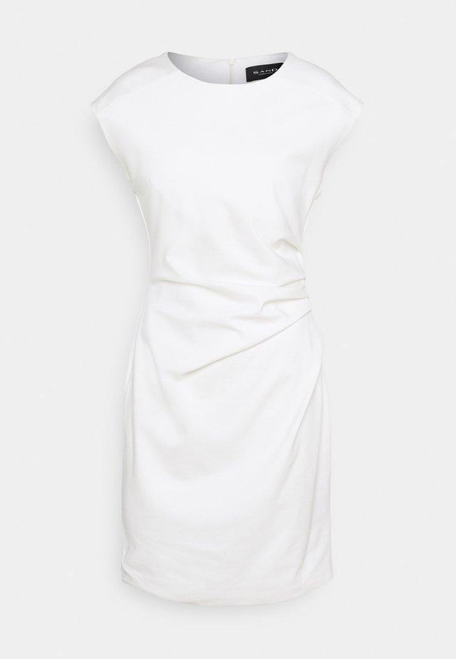 DANJA - Fodralklänning - white
