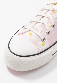 Converse - CHUCK TAYLOR ALL STAR LIFT - Trainers - pink/white/black - 5