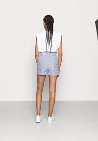 ONLY - ONLSMILLA BELT - Shorts - medium blue denim - 2