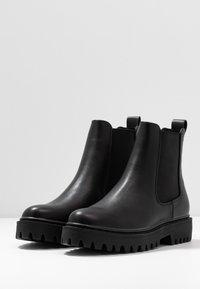 Even&Odd Wide Fit - WIDE FIT - Platform ankle boots - black - 4