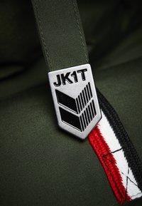 JACK1T - RESCUE  - Gewatteerde jas - green - 2