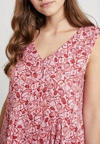 Monki - VIOLA DRESS - Skjortekjole - pink/red - 5