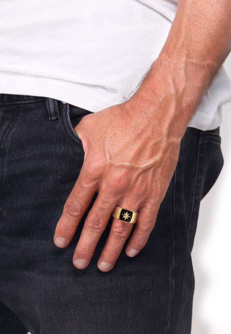 KUZZOI - EMAILLE  - Ring - gold