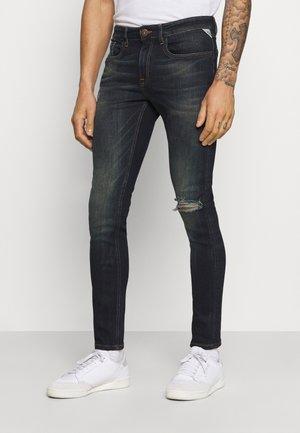 MILANO DESTROY - Zúžené džíny - blue