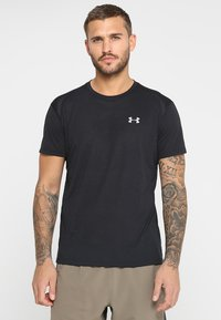 Under Armour - STREAKER SHORTSLEEVE - T-shirt med print - black - 0
