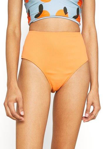 TIA REVERSIBLE HIGH WAIST PANT - Bikini bottoms - salmon/rust