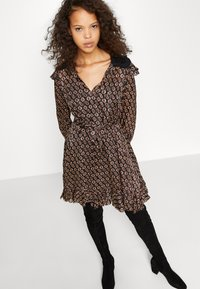 maje - RINETTE - Denní šaty - noir - 3