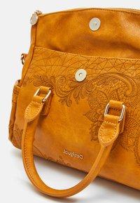 Desigual - BOLS MARTINI LOVERTY MINI - Handbag - yellow - 4