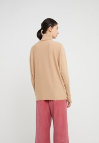 Johnstons of Elgin - CASHMERE KAI - Sweter - baby camel - 2