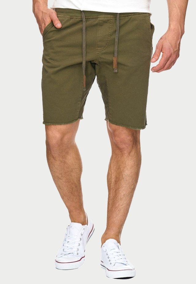 CARVER - Shorts vaqueros - grren