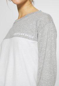 American Eagle - BRANDED COLORBLOCK URBAN TEE - Topper langermet - gray - 4