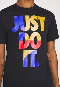 Nike Sportswear - TEE - Print T-shirt - black - 4