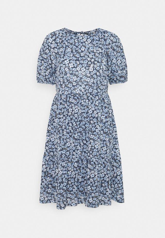 ONLPELLA OPEN BACK DRESS - Vapaa-ajan mekko - vintage indigo