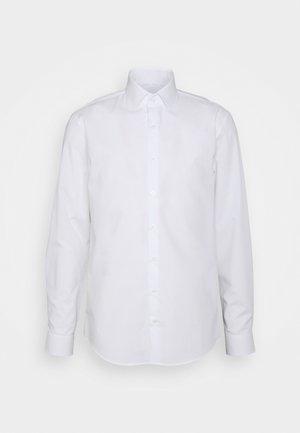 STRETCH SLIM SHIRT - Chemise classique - white
