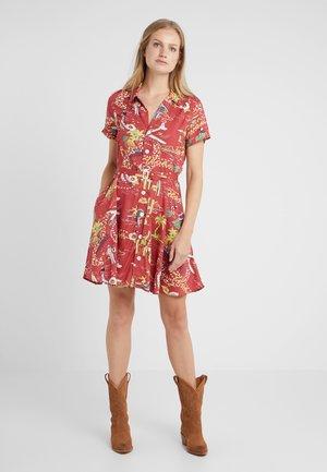 Košilové šaty - hula girl