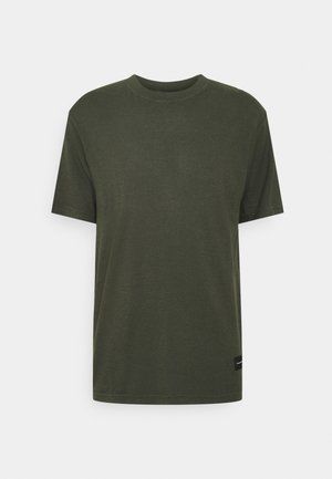 CLASSIC STANDARD FIT TEE - T-shirt basic - military