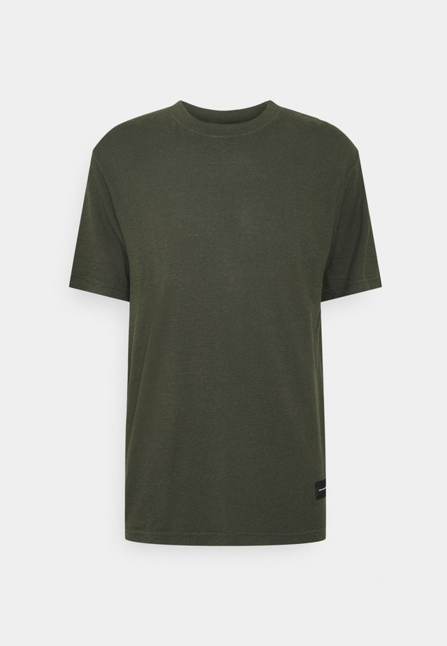 CLASSIC STANDARD FIT TEE - T-shirt basic - military
