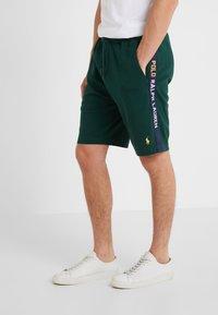 Polo Ralph Lauren - INTERLOCK - Shorts - college green - 0