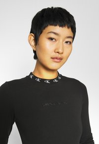 Calvin Klein Jeans - Long sleeved top - ck black - 3