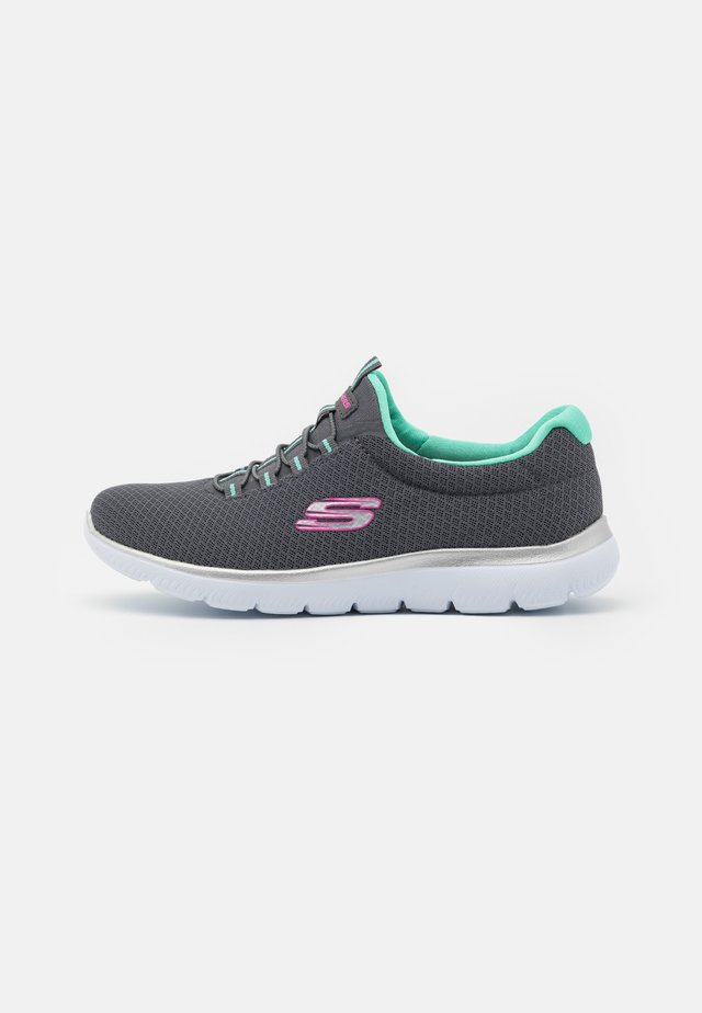 SUMMITS - Joggesko - charcoal/ green/pink