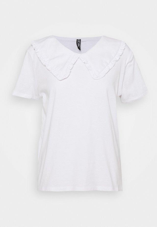 PCANIKA TEE - T-shirt con stampa - bright white