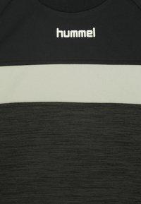 Hummel - HMLBRANDON - Sweatshirt - black olive - 2