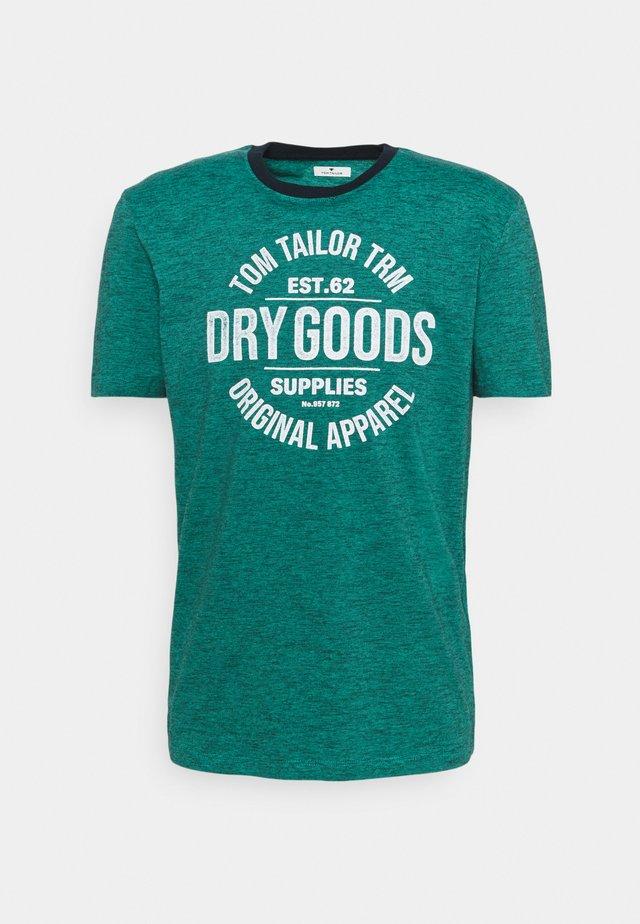FINESTRIPED WITH PRINT - T-shirt print - dark blue aqua fine stripe