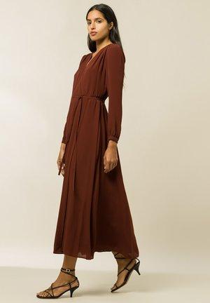 LIME - Maxi dress - Carmin