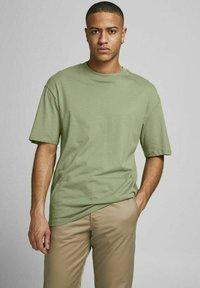Jack & Jones - JORBRINK TEE CREW NECK - Basic T-shirt - sea spray - 0