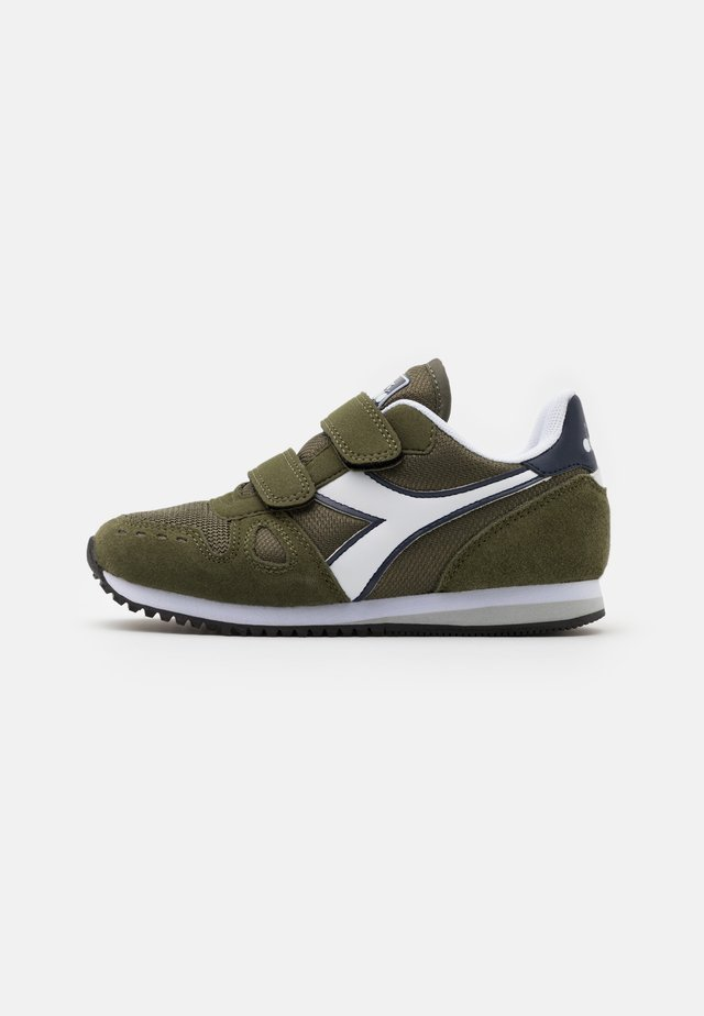 SIMPLE RUN UNISEX - Chaussures de running neutres - green rosemary