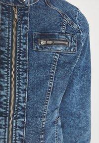 ONLY - ONLTIA BANDIT BIKER JACKET - Denim jacket - medium blue denim - 4