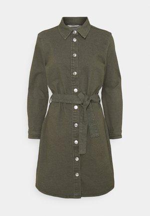 ONLLAUREL LIFE FRILL DRESS - Skjortekjole - kalamata