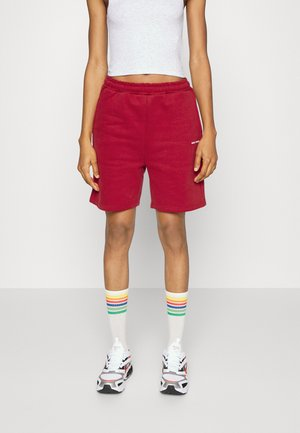 CLASSICLOGOCOLLAGE - Shorts - earthred