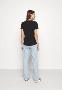 Casa Amuk - V NECK TEE - T-shirts - midnight - 2
