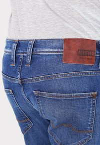 Mustang - OREGON  - Jeans straight leg - light scratched used - 4