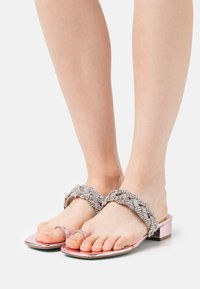 Blue by Betsey Johnson - INDIE - Tongs - rose - 0