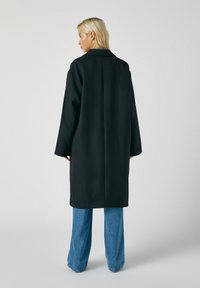 PULL&BEAR - Classic coat - mottled black - 1