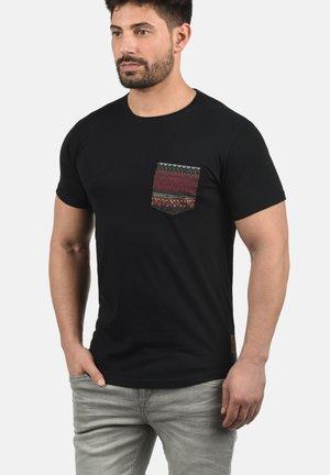 PAXTON - T-shirt con stampa - black