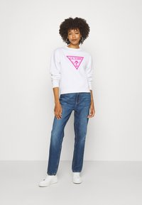 Guess - MOM - Relaxed fit jeans - pacha - 1