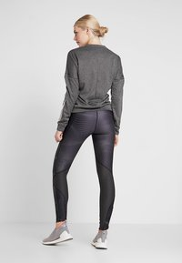 Under Armour - FLY FAST  - Legginsy - jet gray/reflective - 2