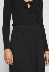 Even&Odd - BASIC - Midi paperbag skirt - A-line skirt - black - 4