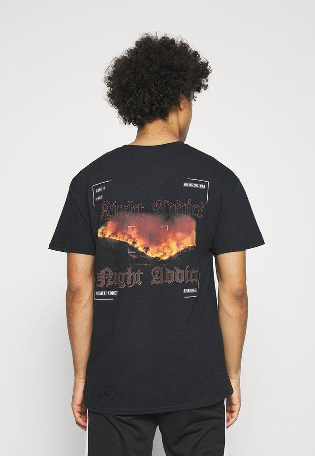 CAMERA - T-shirt med print - black