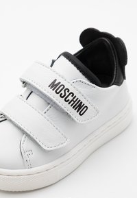MOSCHINO - Trainers - white - 5