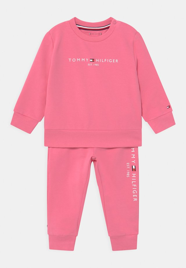 BABY ESSENTIAL SET  - Tepláková souprava - exotic pink